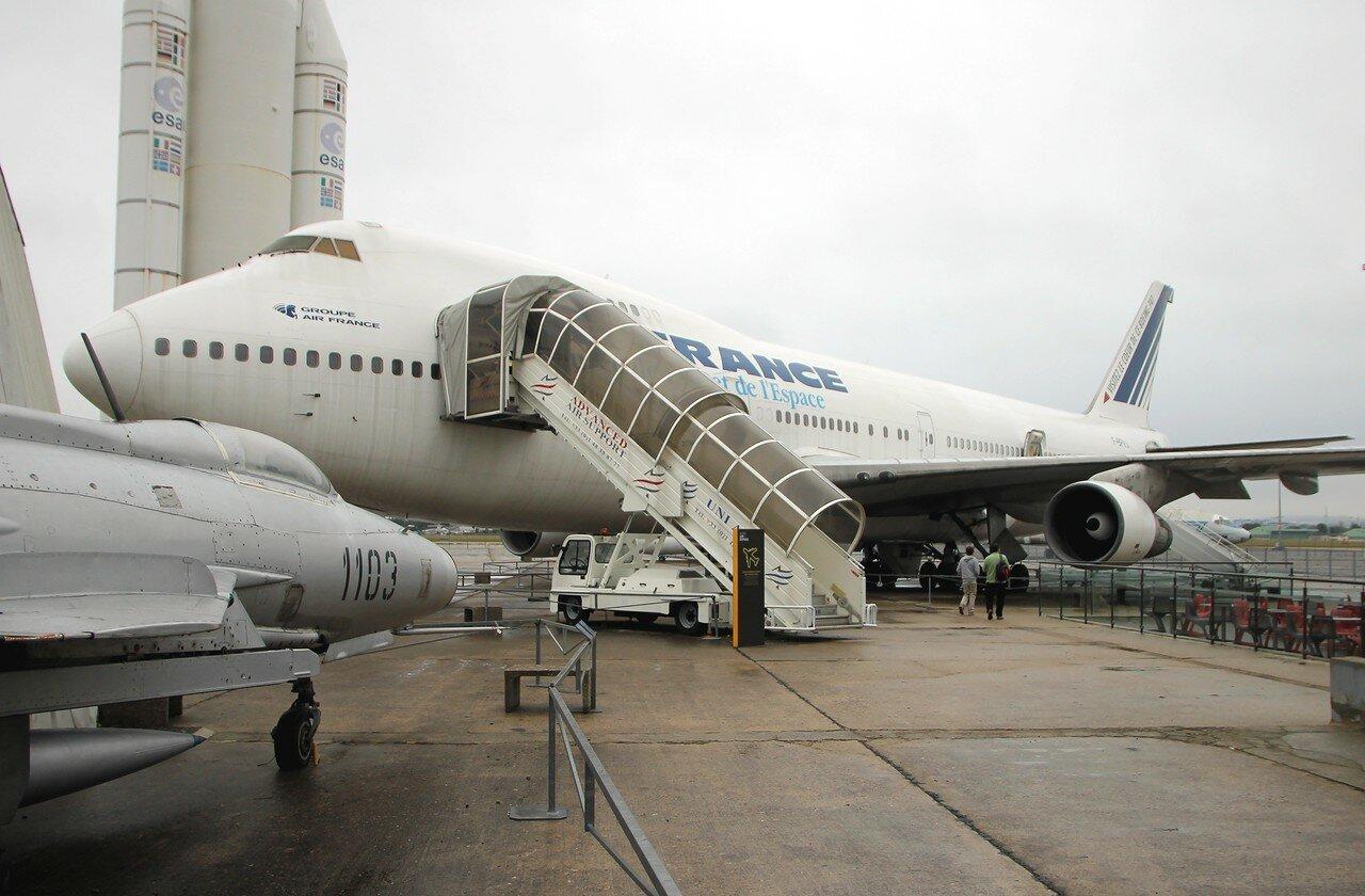 Boeing 747-128 (Музей авиации в Ле-Бурже)