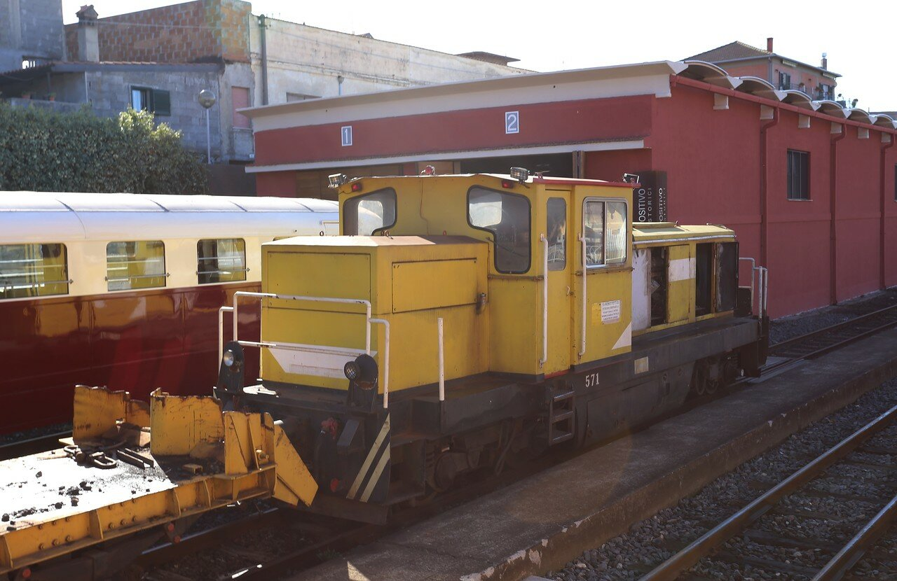 Circumetnea railway (Ferrovia Circumetnea)