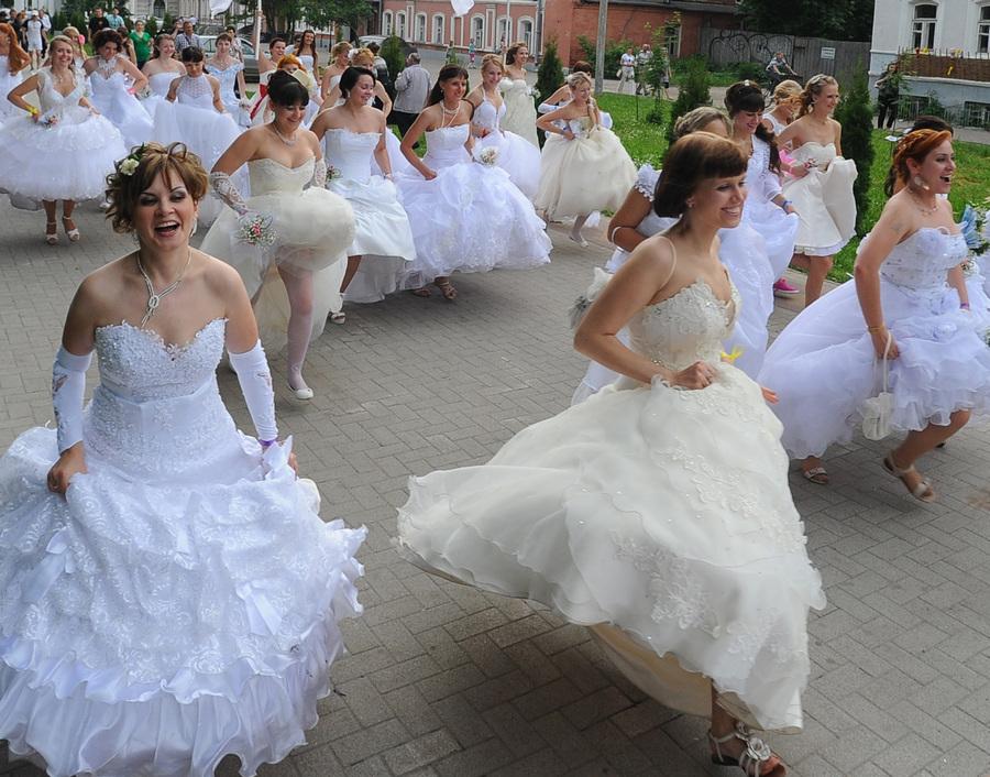 Акция «Сбежавшие невесты» в Рязани