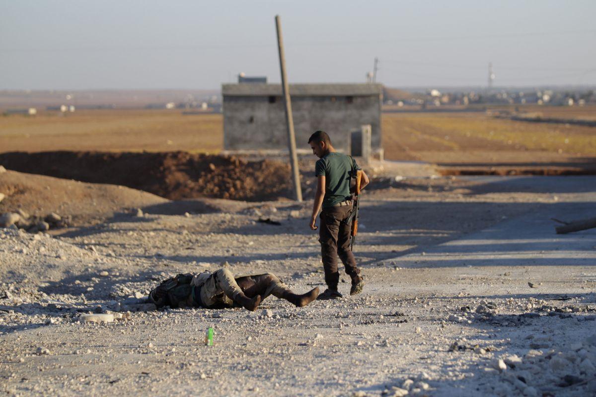 Протурецкие боевики вытесняют террористовИГ изДабика насевере Алеппо