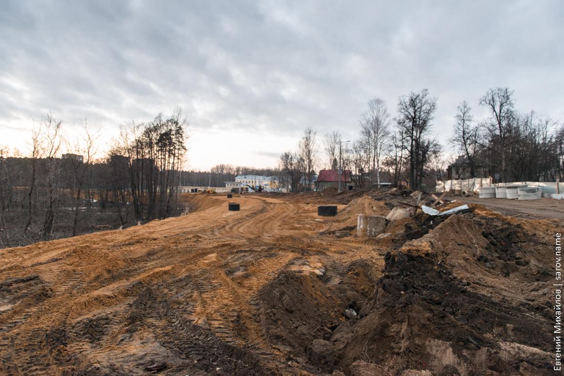дорога у стадиона авангард перекрыта для строительства