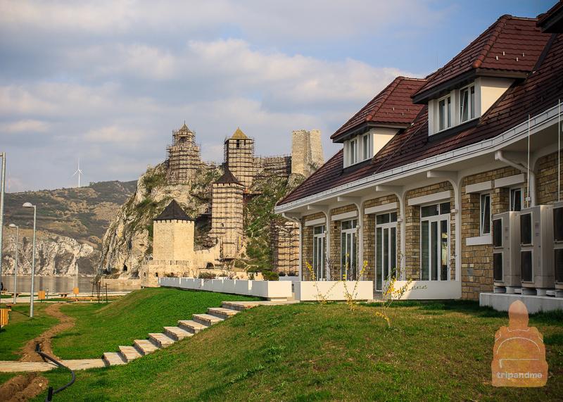 Парк у Голубацкой крепости