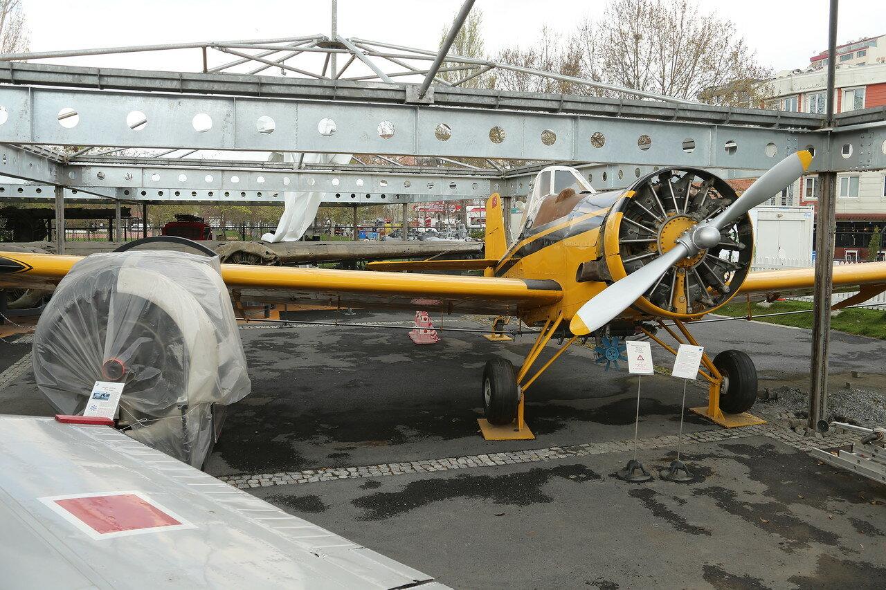 Стамбул. Музей Рахими Коча. Сельскохозяйственный самолет Ayres S-2R Thrush (Дрозд)