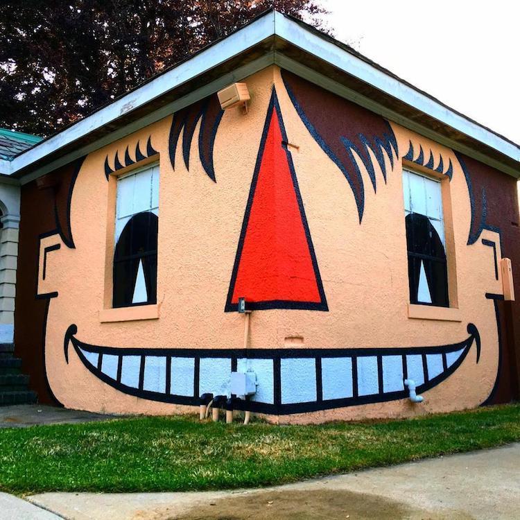 «Дополненная реальность»: умный стрит-арт художника Тома Боба