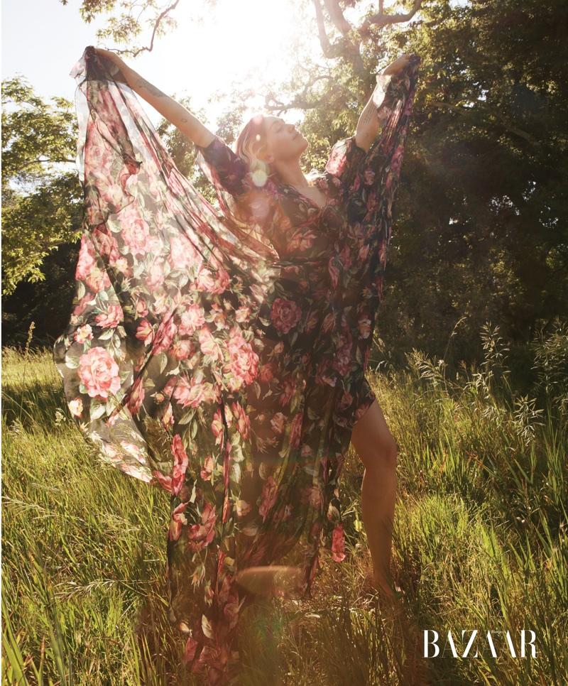 Майли Сайрус в Harper's Bazaar US