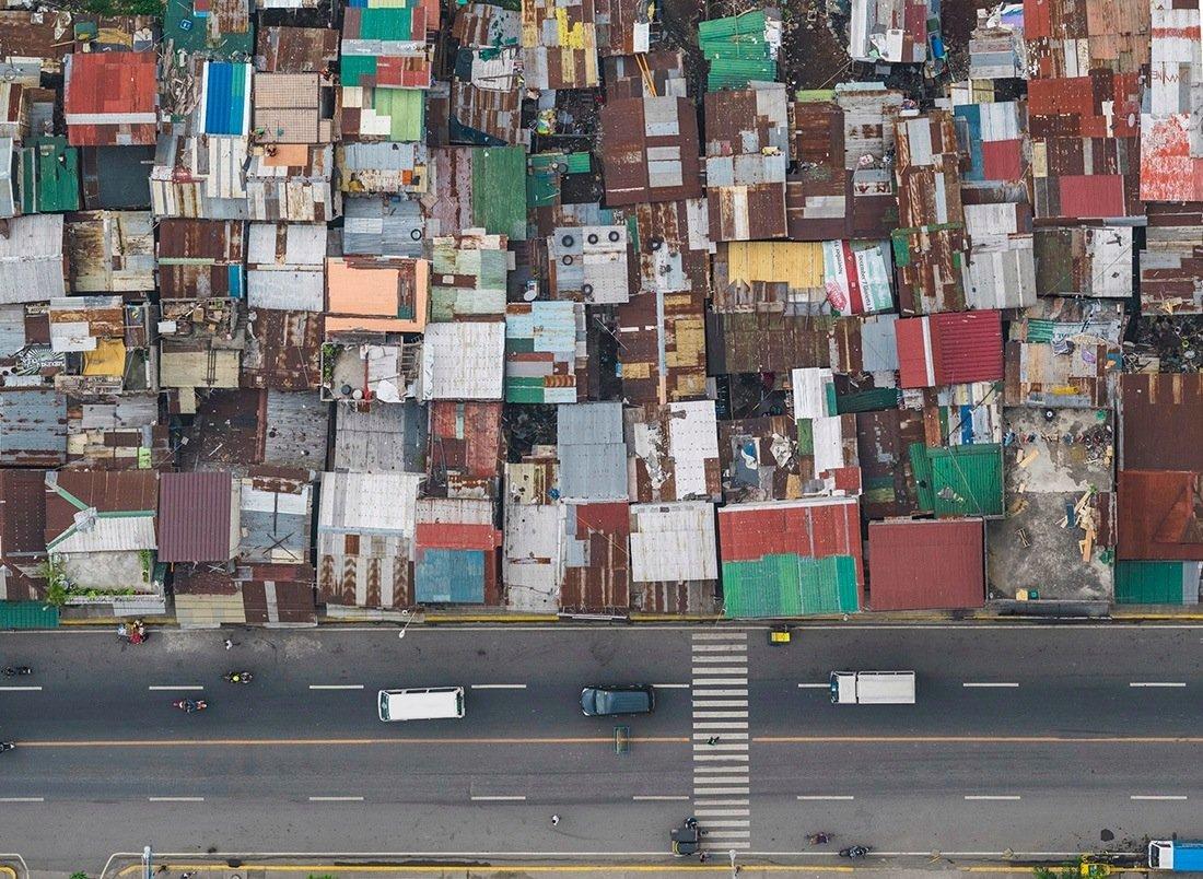 В Маниле есть и другие следствия перенаселения — голод, нищета, экономическое неравенство, преступле