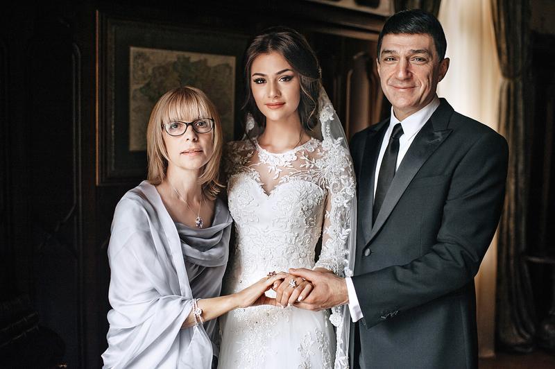 У Веры Витальевны осталось трое дочерей. Младшая — Анастасия Шубская — недавно вышла замуж за хоккеи