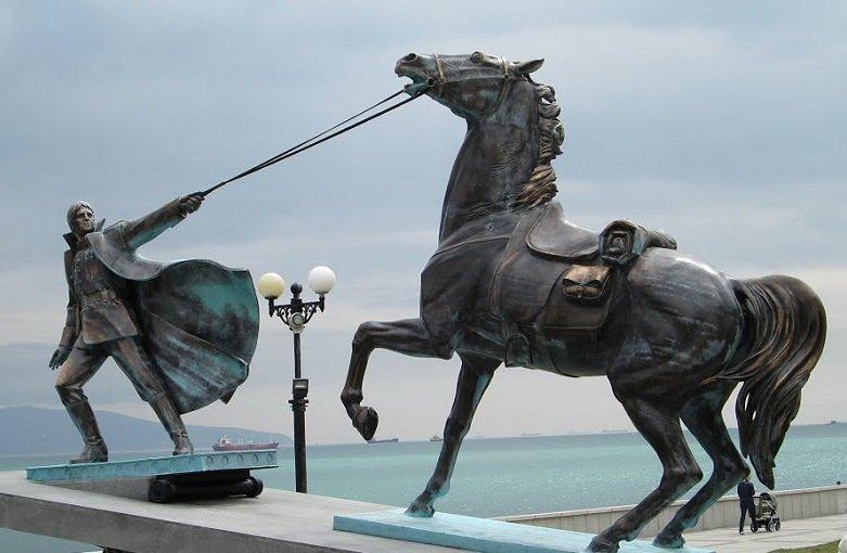 20170710_11-45-Александр Измоденов- «Отклик на неправду о памятнике «Примирения»