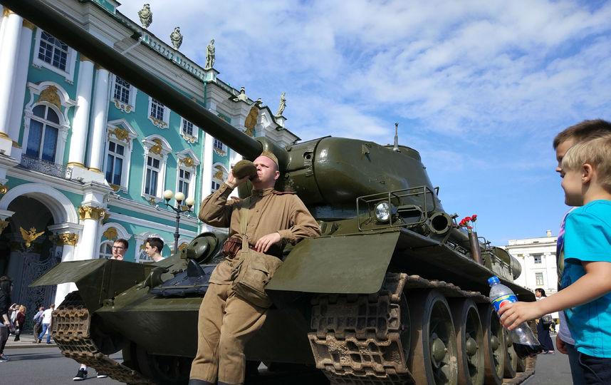 20170808_16-55-Военная техника прибыла на Дворцовую площадь~pic07