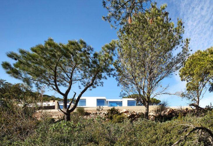 Costa Brava Residence by Pepe Gascon Arquitectura (14 pics)