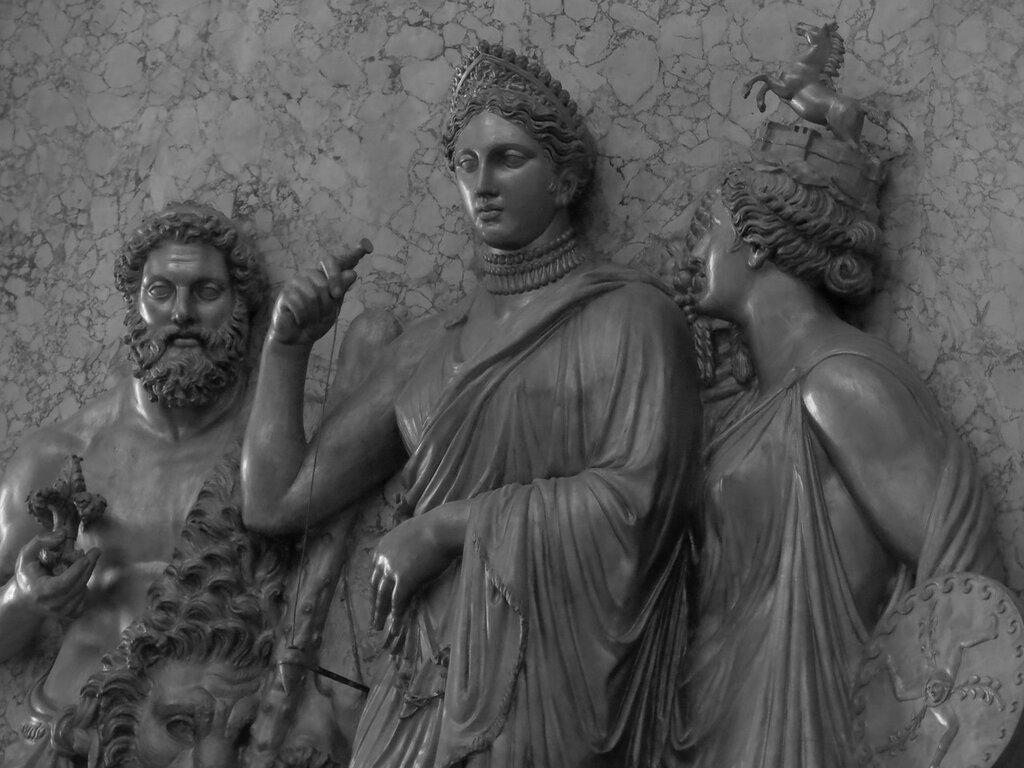 Caserta,_la_reggia_(18588953844).jpg