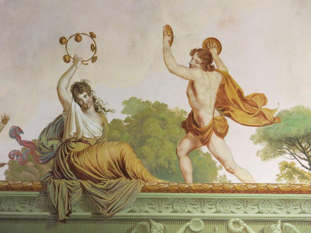 Caserta,_la_reggia_(18594371043).jpg