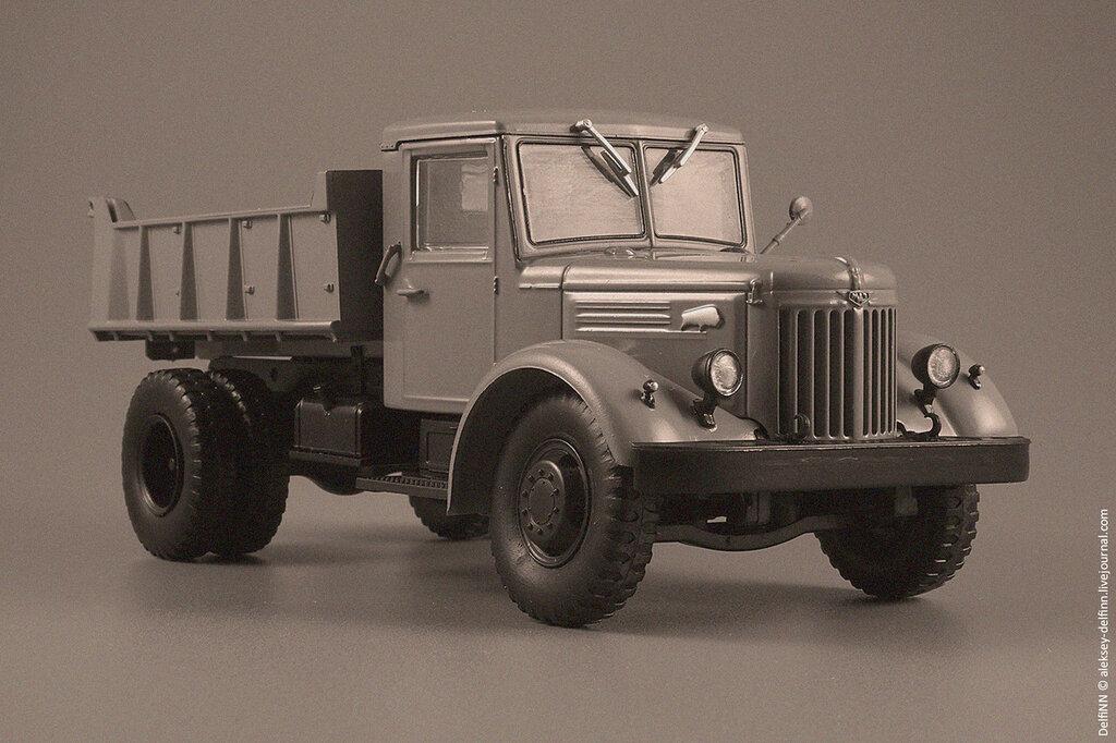 МАЗ-205-11.jpg