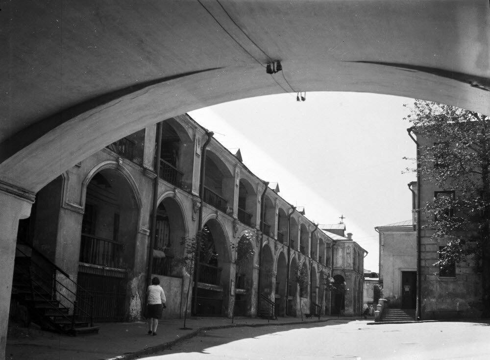 Дворовый фасад дома в самом центре 1930-е гг.