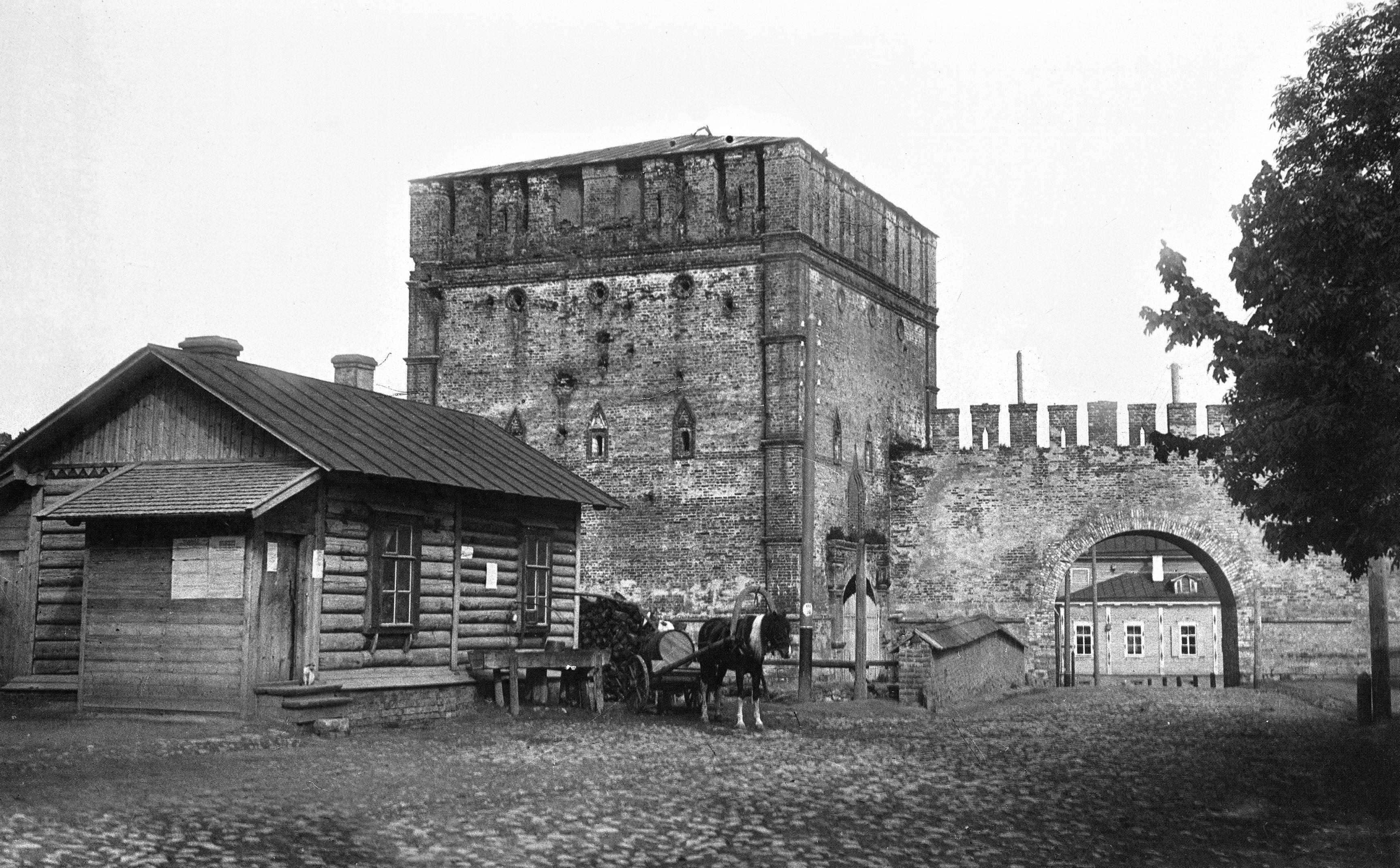 Никольская проездная башня и арка. 1903