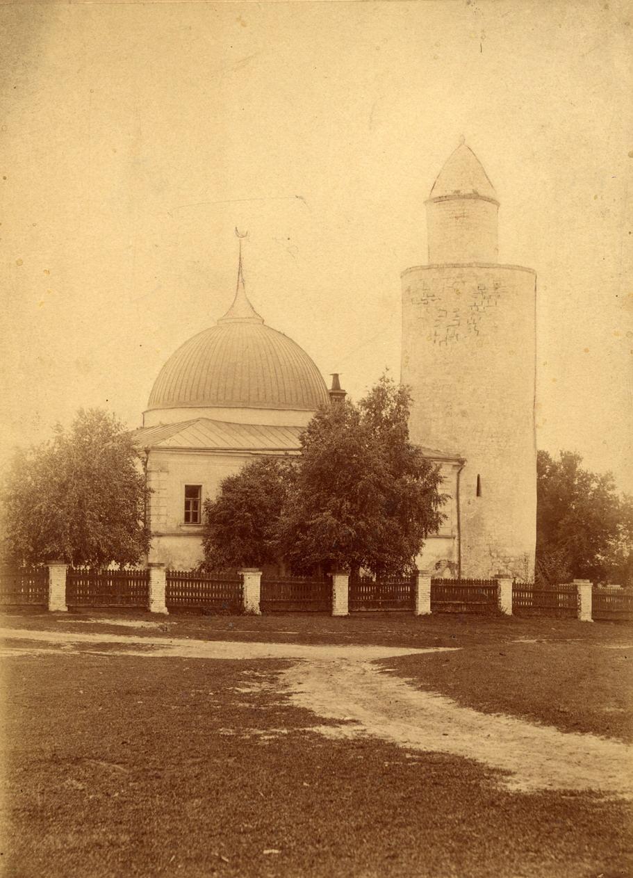 Дворцовая ханская мечеть и минарет