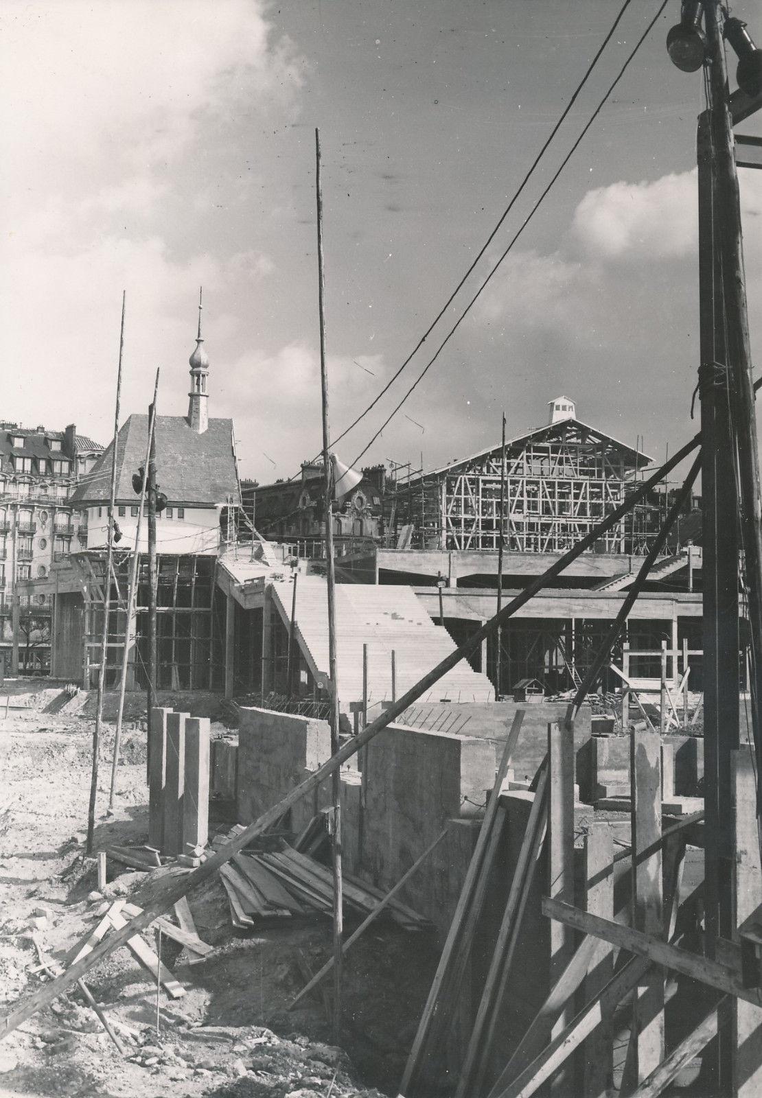 Строительство выставочных павильонов регионов Савойя и Лотарингия
