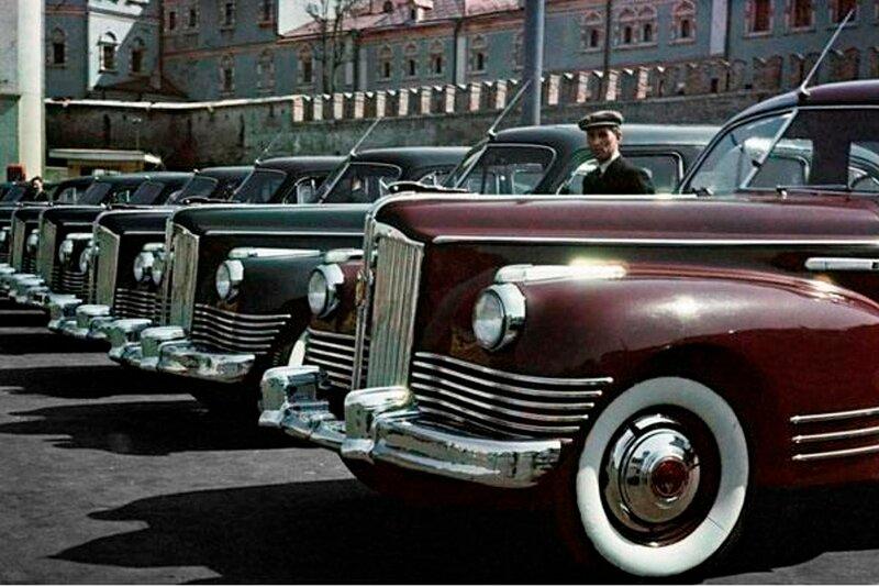 1946-50 Эммануил Евзерихин ЗИС-110 такси.jpg