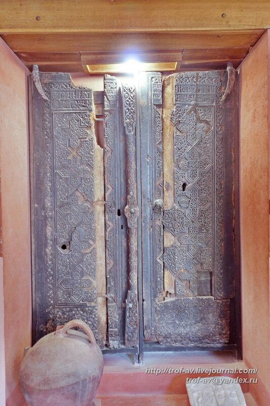 Двери от церкви Сурб Саркис