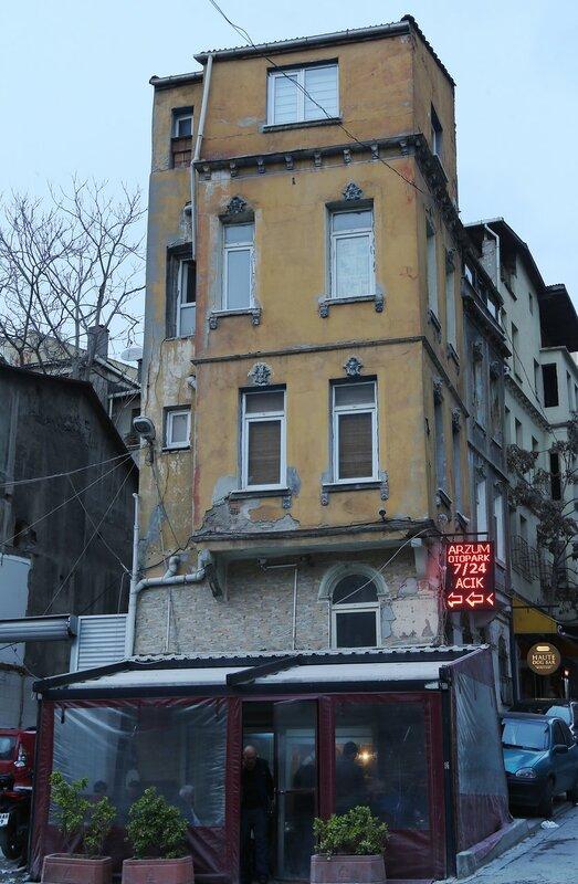 Istanbul, Beoglu, Kulolu Quarter (Kuloğlu Mh).  Aga Hamamı Sokak Street