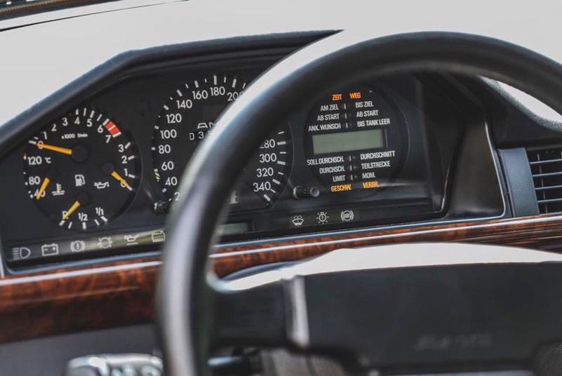 Mercedes 300 CE 6.0 AMG The Hammer — Последний из Могикан