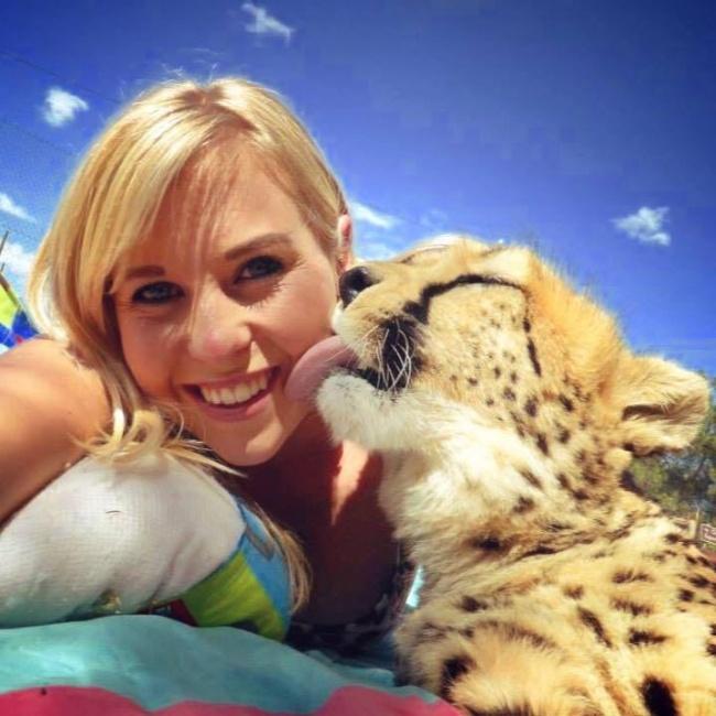© pikabu  Хизер Туки (Heather Tookey) потратила 5000 британских фунтов, чтобы забрать котенка