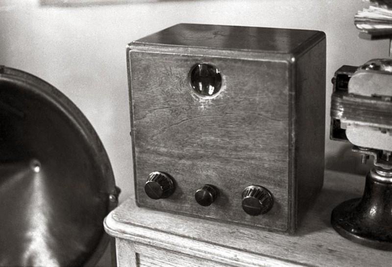 2. Б-2 обладал экраном 16 на 12 миллиметров с разверткой в 30 строчек и частотой 12,5 кадров в секун