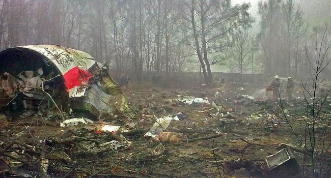 Президентский самолет начал распадаться еще ввоздухе— трагедия под Смоленском