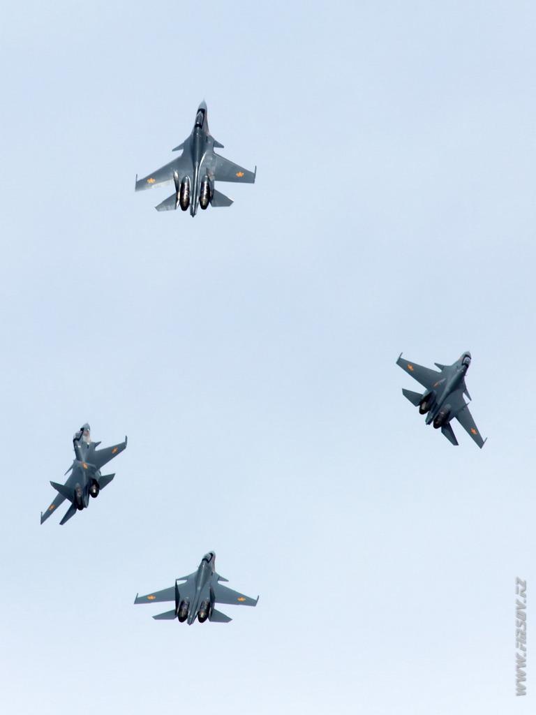 Su-30SM_group_7_TDK.JPG