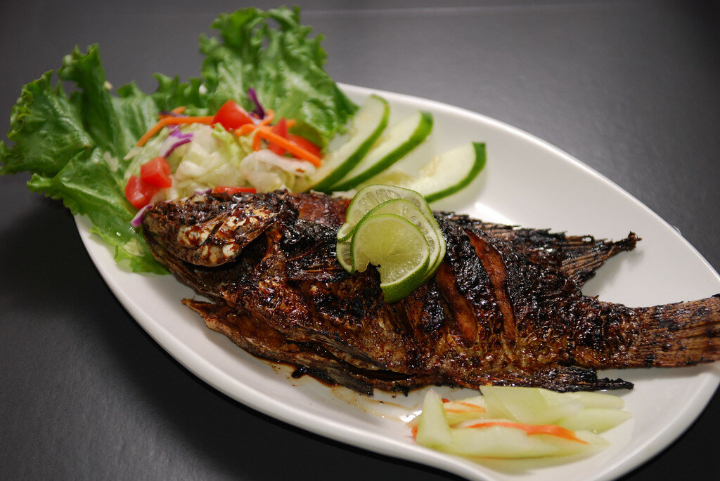 Икан бакар (Жаренная рыба).jpg