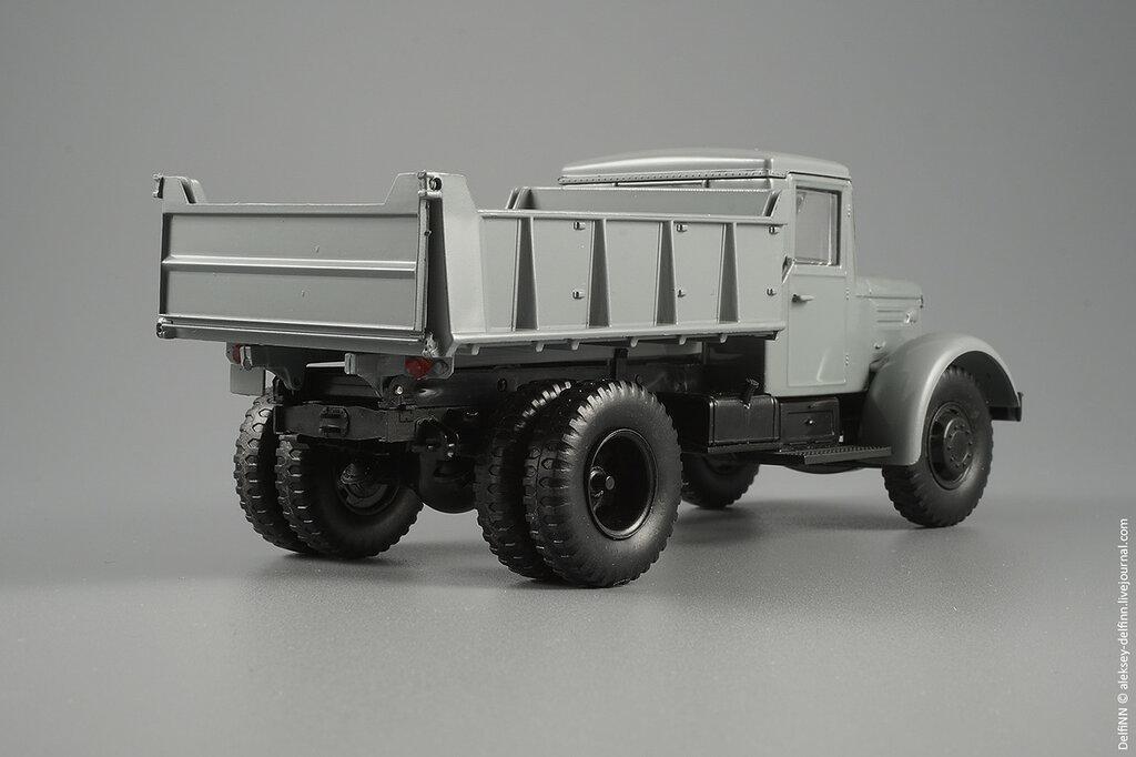 МАЗ-205-03.jpg