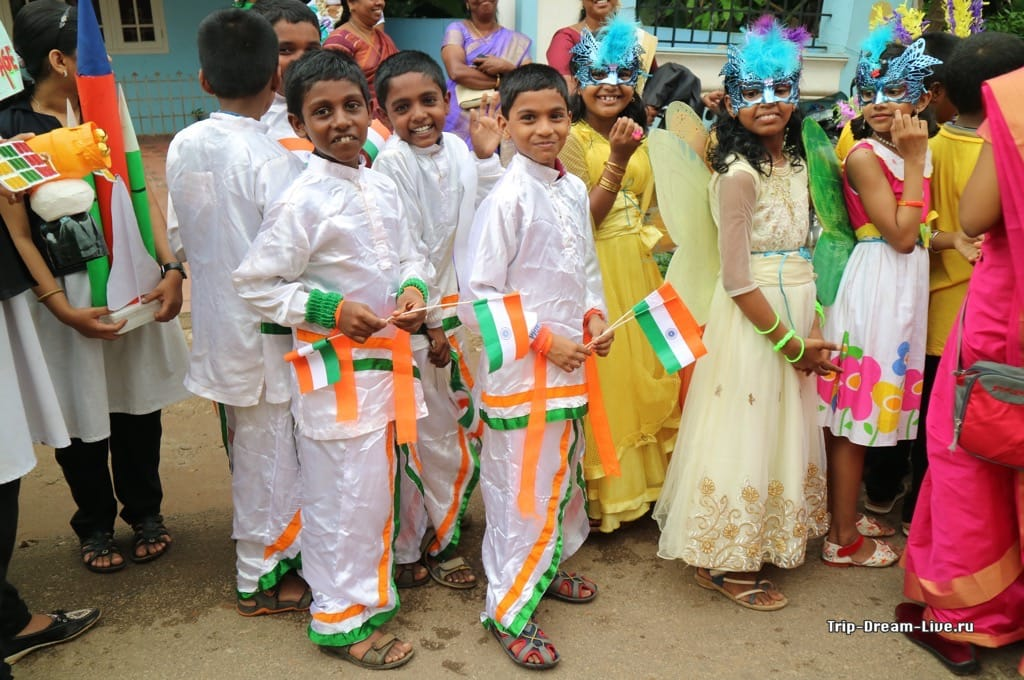 Главный тренд - цвета индийского флага