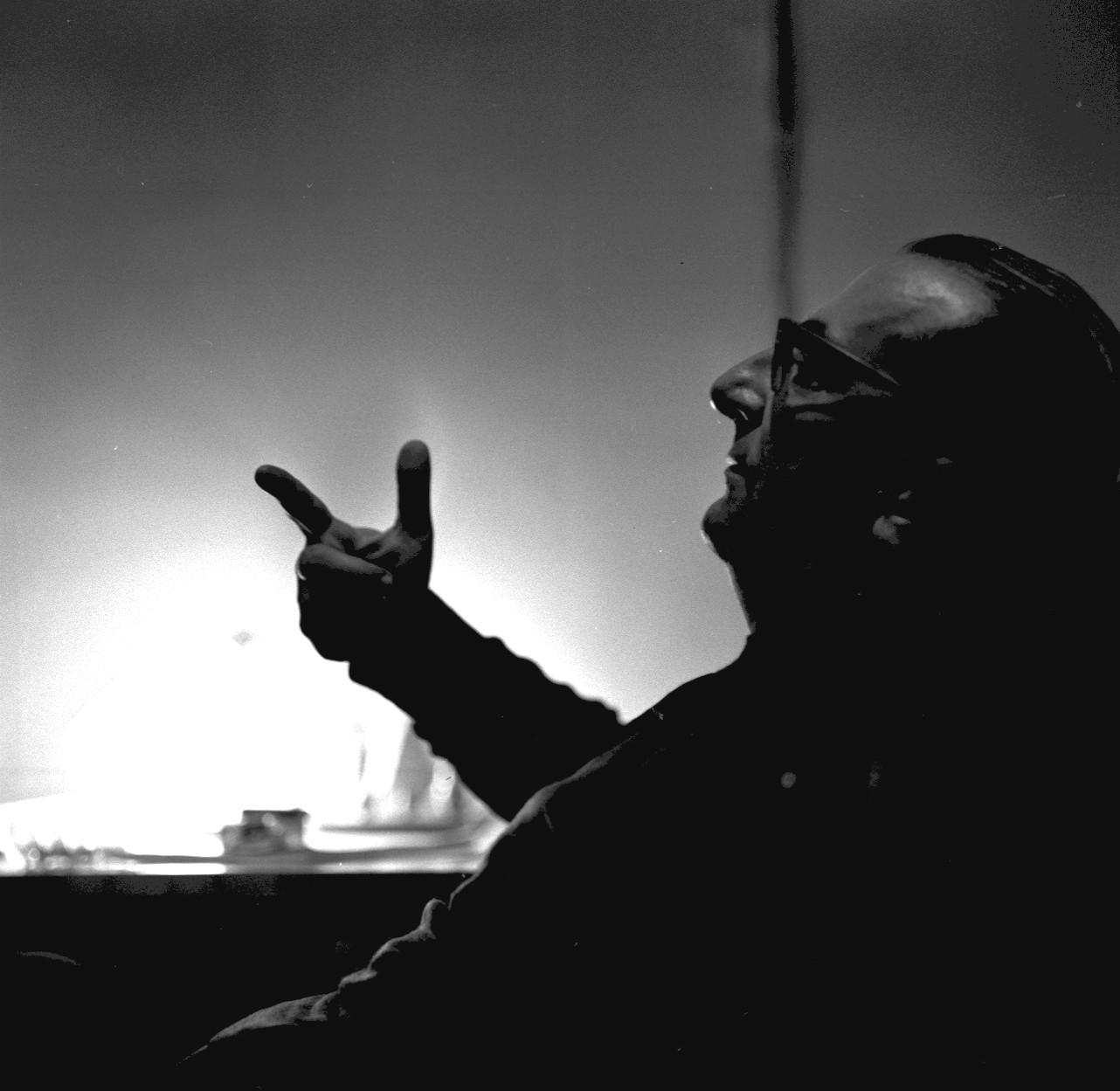 Портрет режиссера Товстоногова в профиль, 1965,06