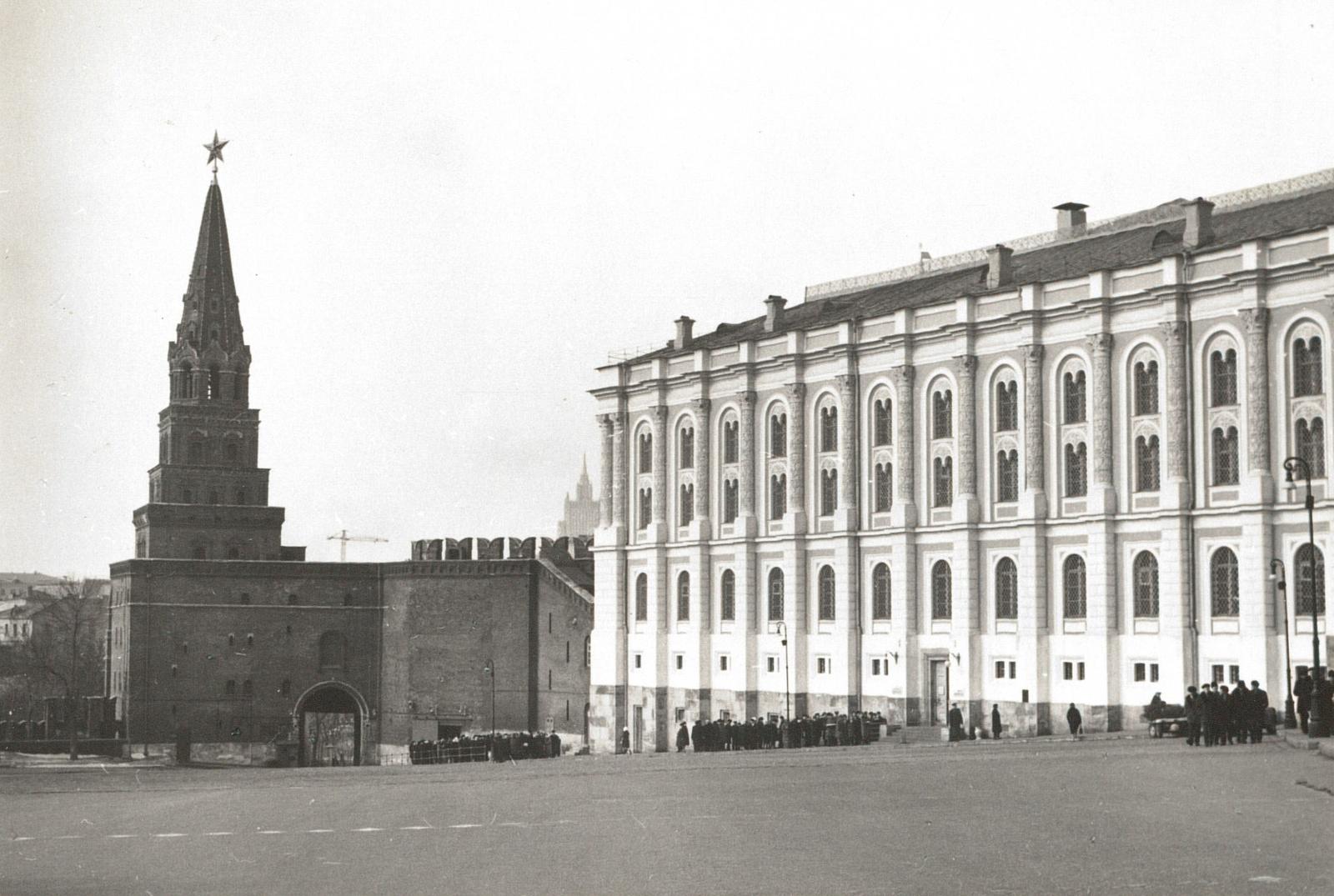 Москва. Кремль. Ворота Боровицкой башни