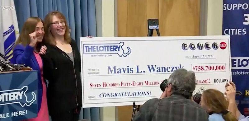 Американка выиграла в лотерею 758 миллионов долларов