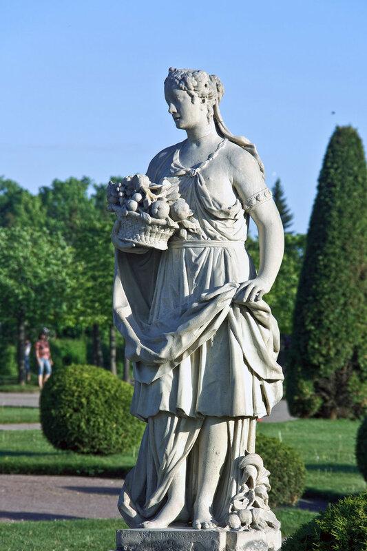 Статуя Бонацца - Флора. Верхний парк. Петергоф