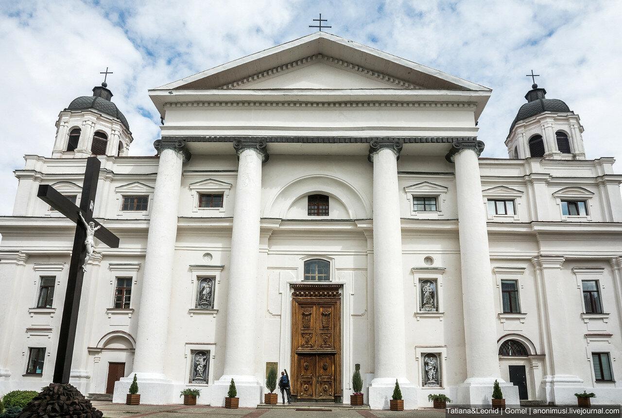 Католический собор Успения Девы Марии и Святого Станислава в Могилёве. Беларусь