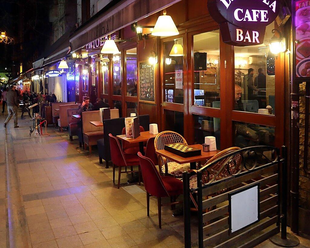 Стамбул, Бейоглу. Ночная жизнь квартала Катип Мустафа (Katip Mustafa Çelebi)