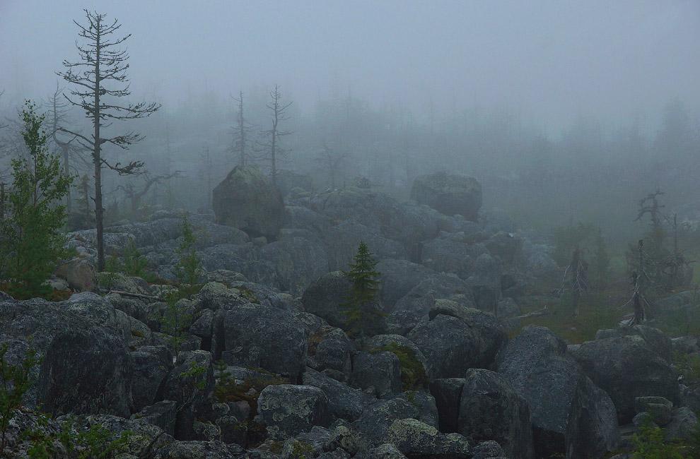 9. Гора Воттоваара в Карелии имеет высоту 417 метров и знаменита своими футуристическими пейзаж