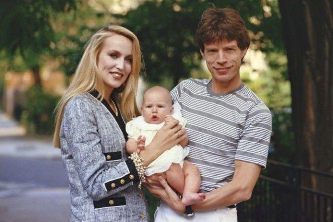 Мик Джаггер и Джерри Холл Джаггер изменил своей жене с бразильской моделью Лусианой Морад, которая к