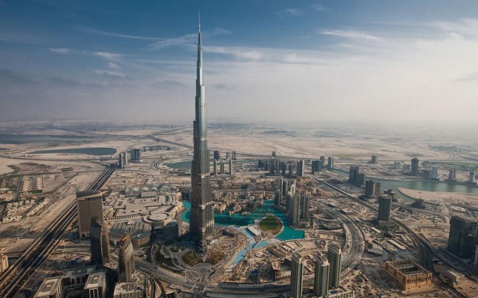 4. Самое высокое здание в мире — Бурдж-Халифа, Дубай.