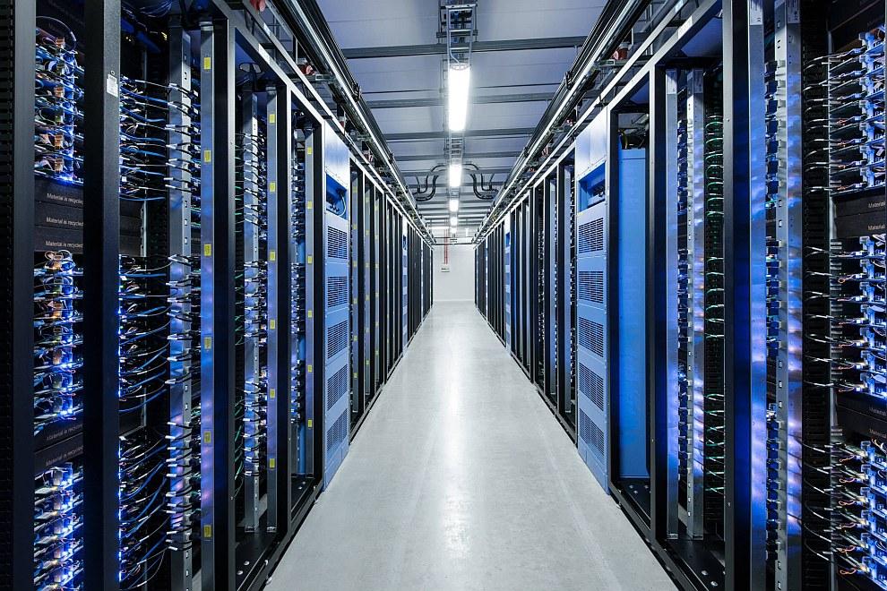 В январе 2011 года, по данным газеты The New York Times, стоимость Facebook достигла 50 миллиар