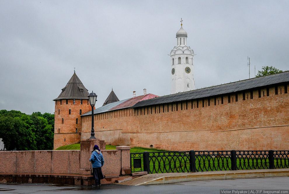5. В самом центре кремля стоит памятник «Тысячелетие России», установленный в 1862 году в честь