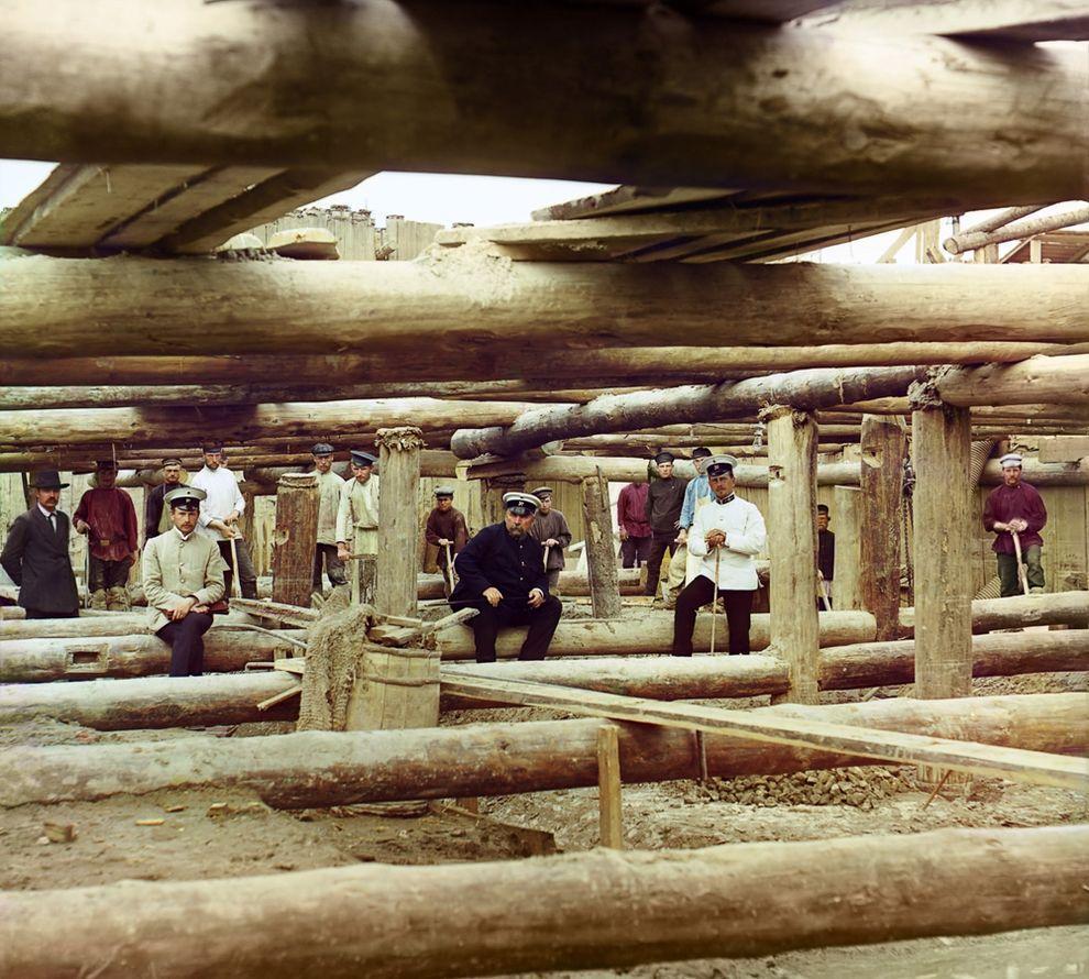 7. Строительство плотины в Белоомуте, Московская губерния, 1912 год.