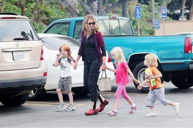 Голливудская красотка Джулия Робертс в вопросе воспитания детей солидарна с предыдущим