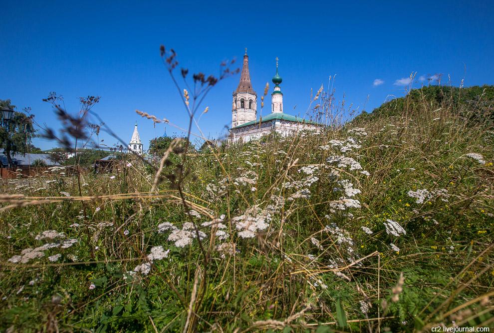 10. Цареконстантиновская церковь с интересными кокошниками над окнами.