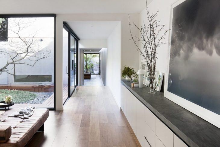 Courtyard House by Robson Rak Architects
