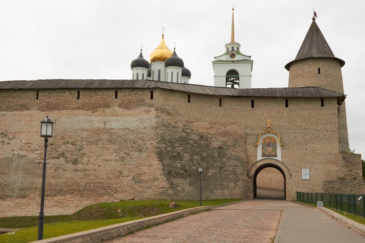 Псков - на территории кремля