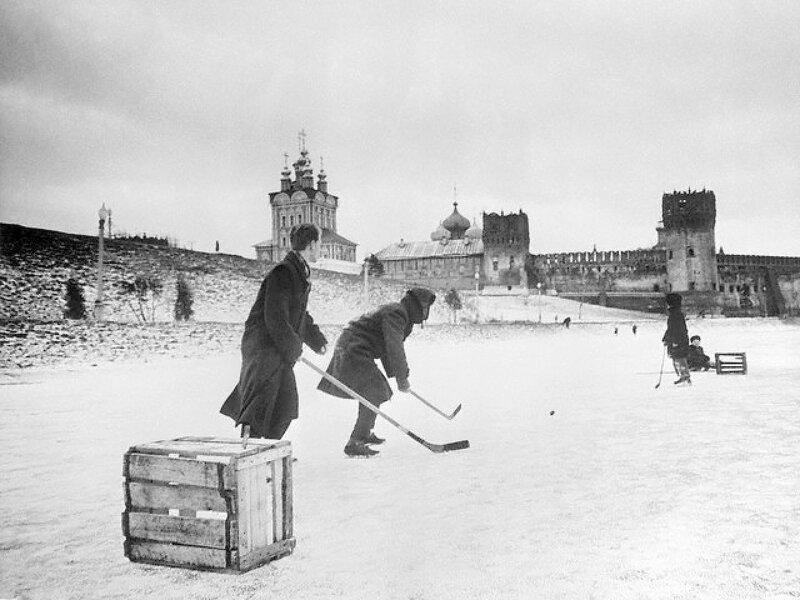 Hockey at Novodevichy