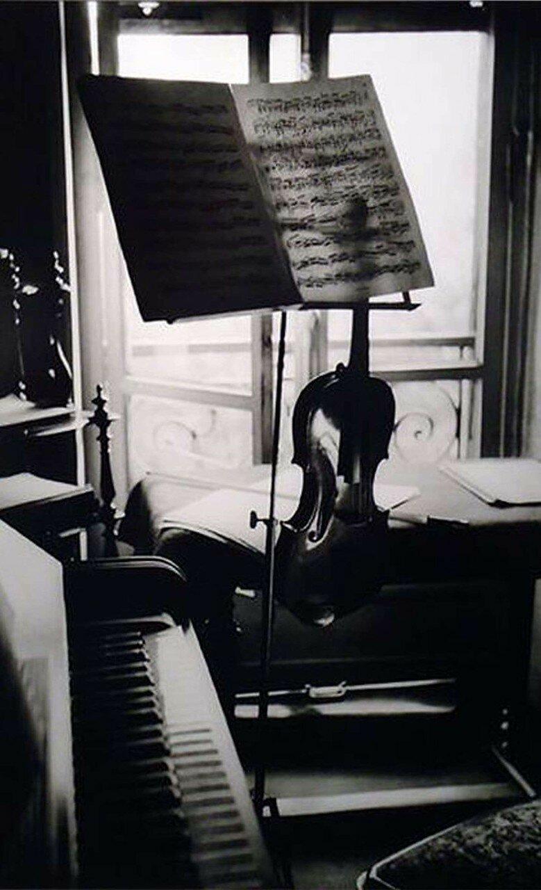 1936. Скрипка